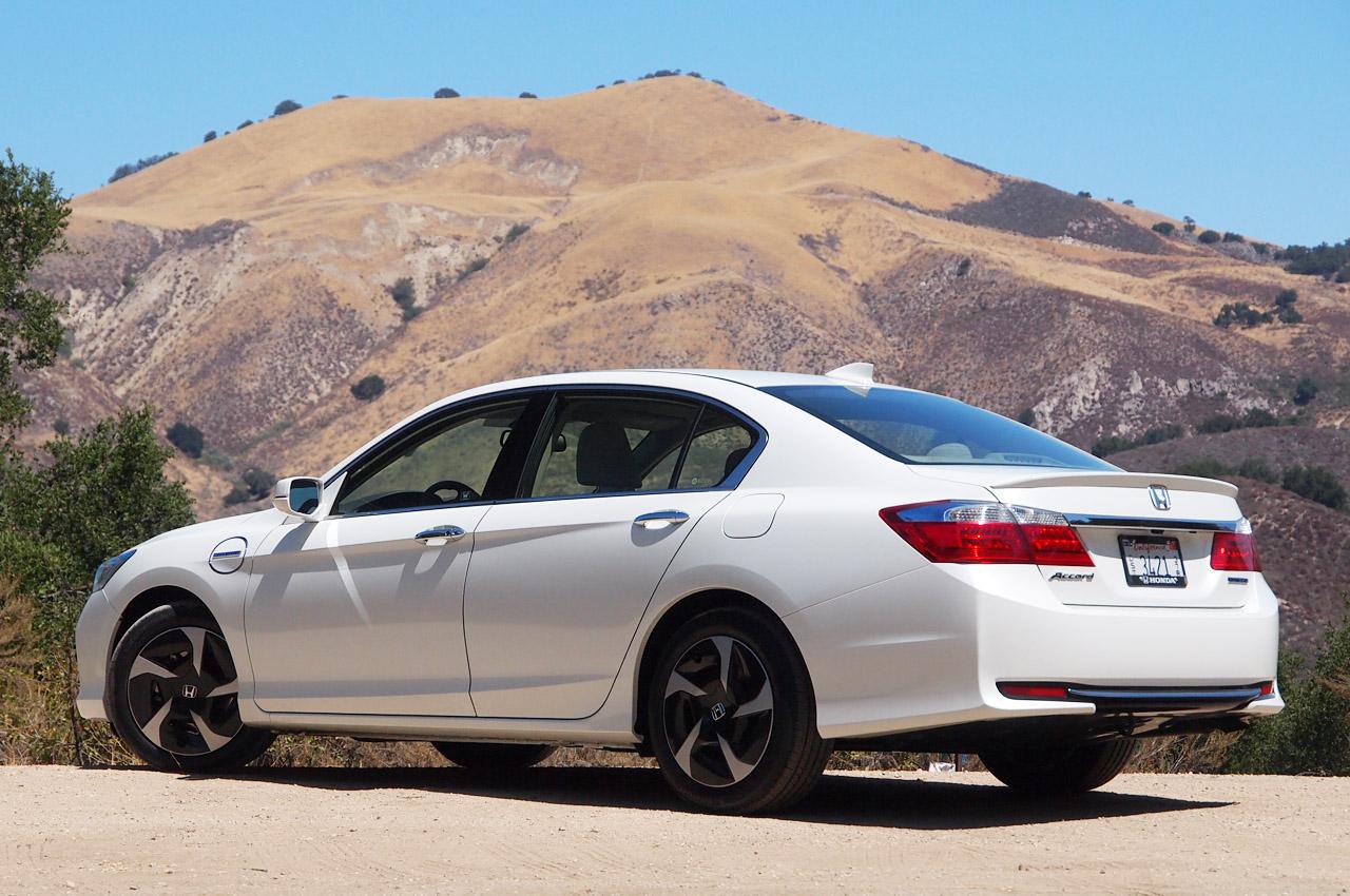 © Automotiveblogz: 2014 Honda Accord Plug-In Hybrid: First