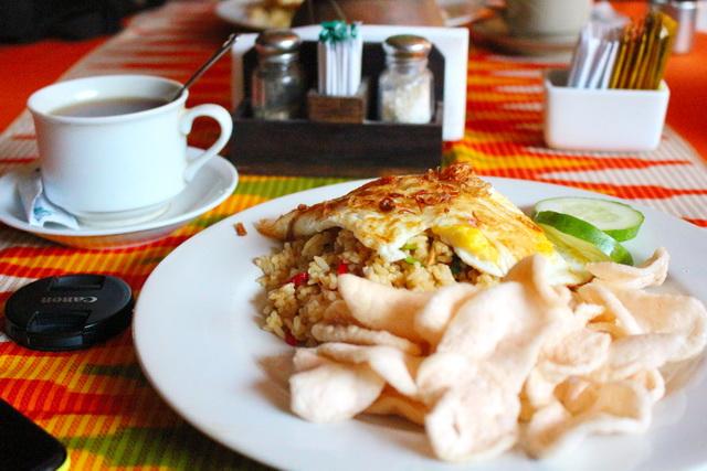 sendok hotel sarapan