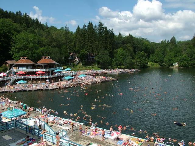 sovata_lacul-ursu-vara