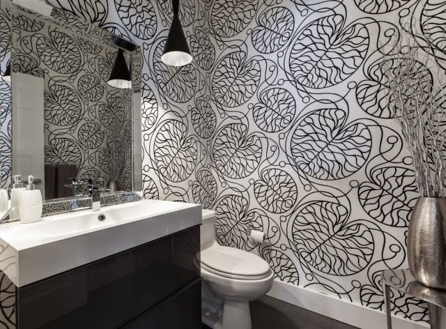 Baño decorado papel pintado