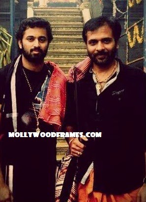 Unni Mukundan and Sethu at Sabarimala