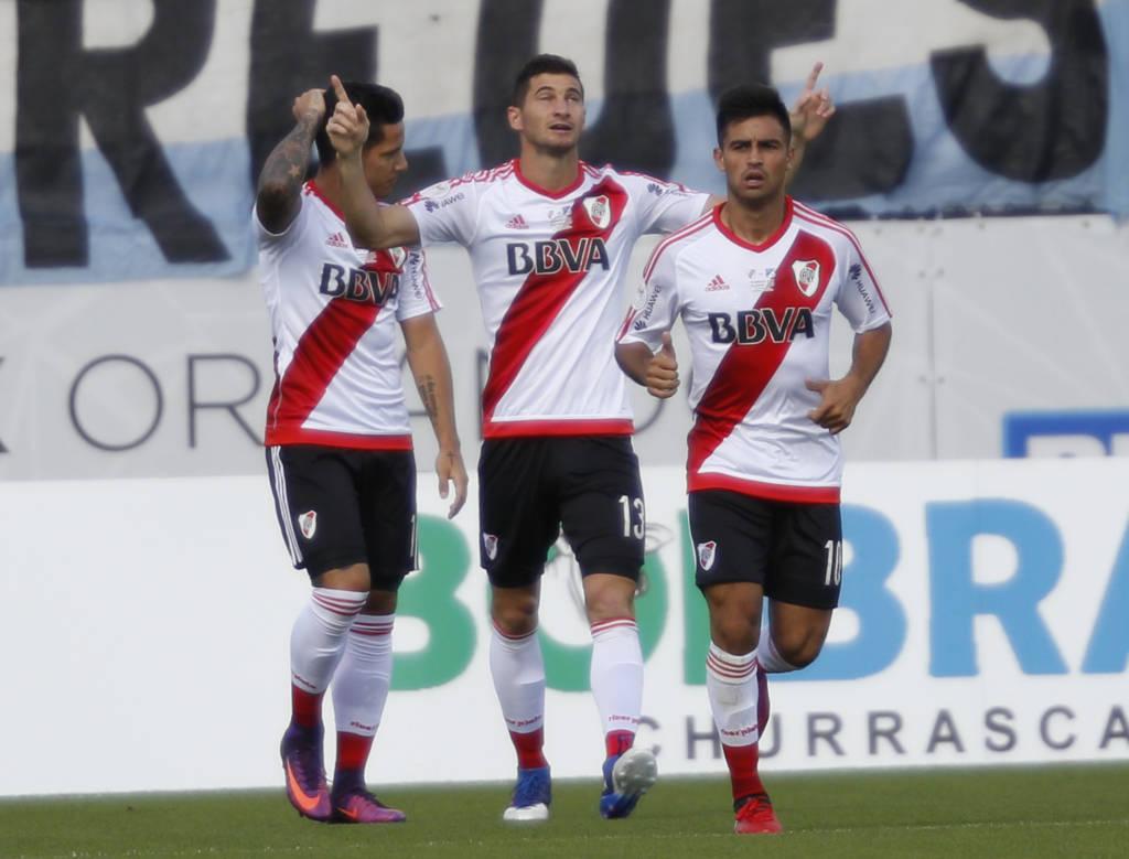 Lucas Alario fez o gol que deu a vitória ao River Plate (Foto: Gregg Newton/AFP)