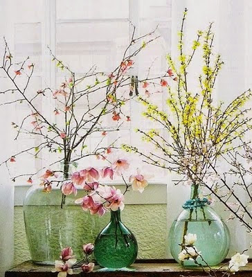 easy spring decoration with blooming branches