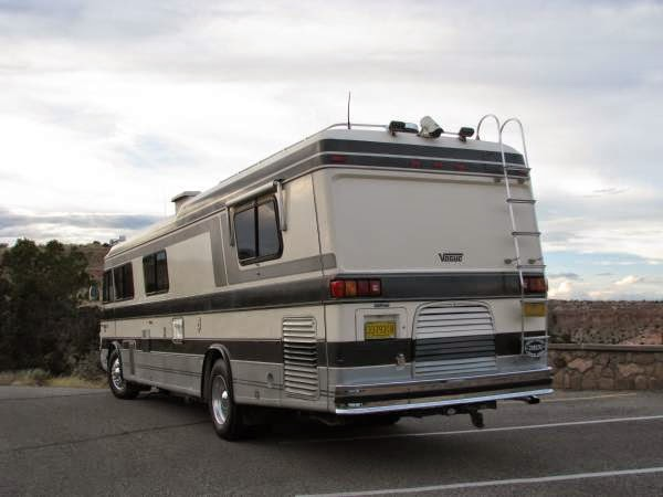 used rvs luxury vogue iii motorhome for sale by owner. Black Bedroom Furniture Sets. Home Design Ideas