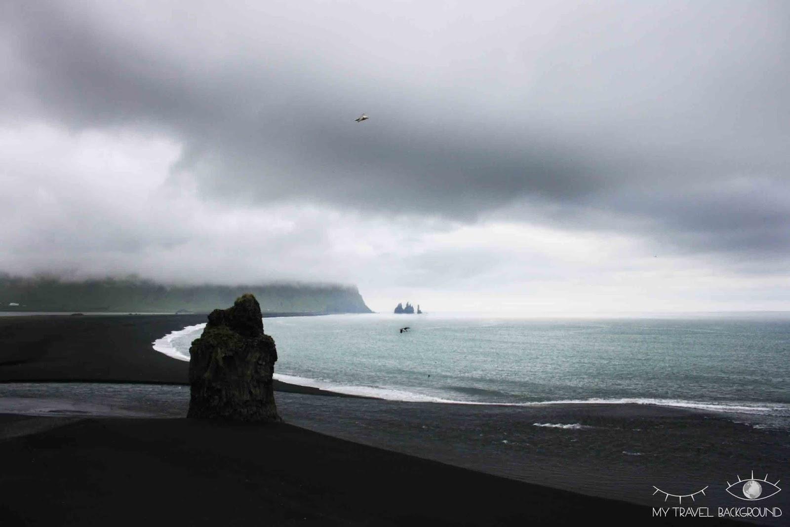 My Travel Background : 18 lieux à découvrir absolument en Islande, profiter d'une des plus belles plages du monde de sable noir à Vik