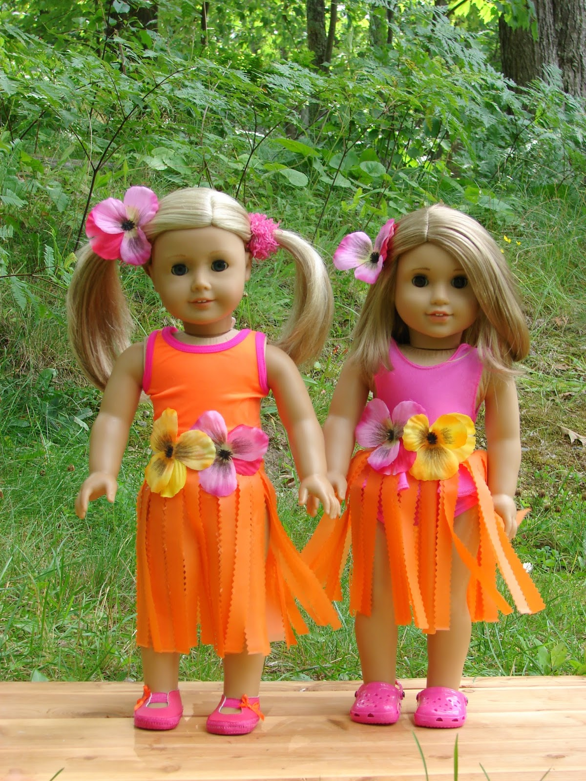 american girl doll play making doll hula skirts using plastic tableclothes. Black Bedroom Furniture Sets. Home Design Ideas