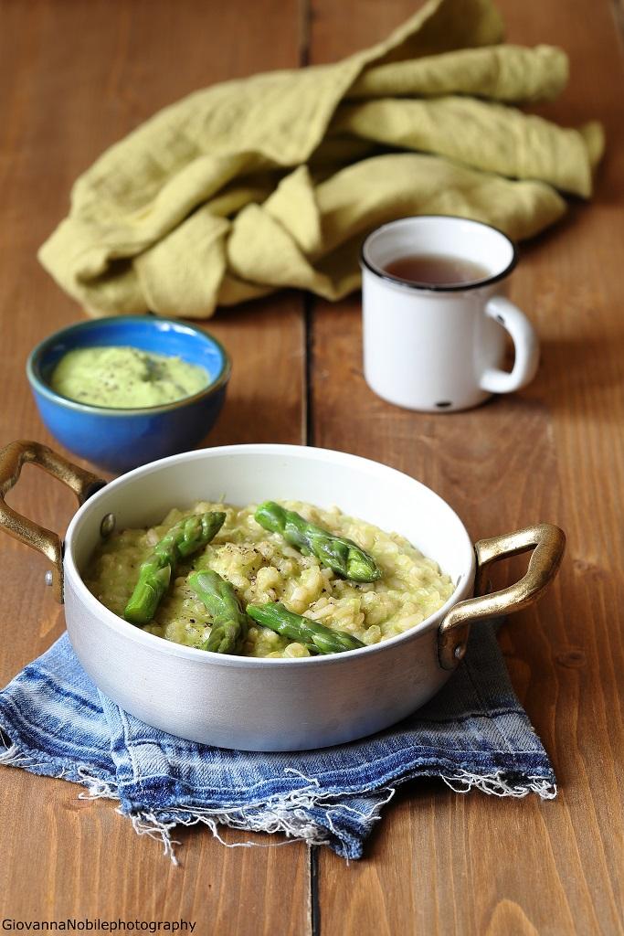 Risotto con crema di asparagi, robiola e zenzero
