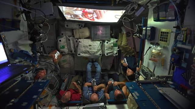 Astronaut Nobar 'Star Wars : The Last Jedi' di Luar Angkasa