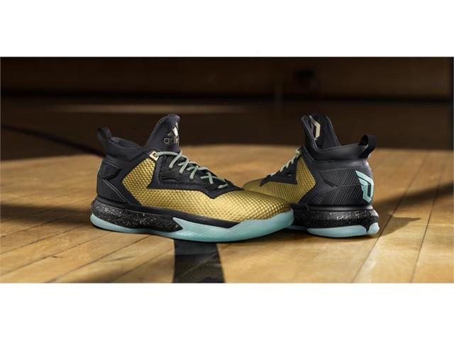 "online retailer 05aa8 14281 adidas and Damian Lillard Debut ""Fools Gold"""