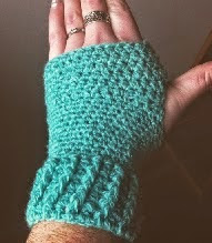 http://translate.google.es/translate?hl=es&sl=en&u=http://ruralrebellion.com/2015/01/11/free-pattern-fingerless-gloves/&prev=search