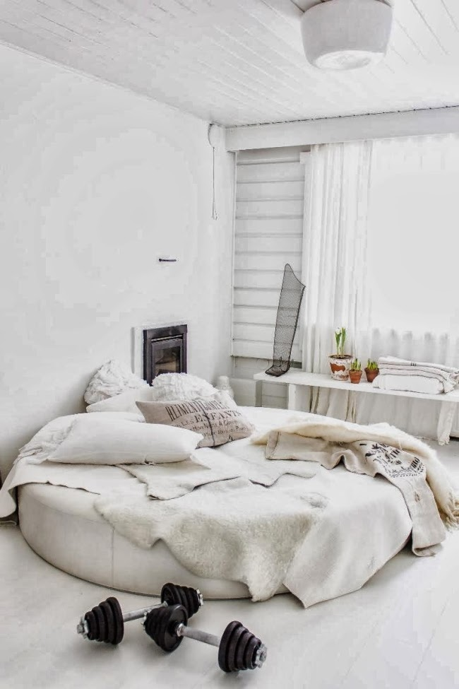 Piękne wnętrze w stylu skandynawskim i shabby chic, wystrój wnętrz, wnętrza, urządzanie domu, dekoracje wnętrz, aranżacja wnętrz, inspiracje wnętrz,interior design , dom i wnętrze, aranżacja mieszkania, modne wnętrza, styl skandynawski, scandinavian style, białe wnętrza, shabby chic,