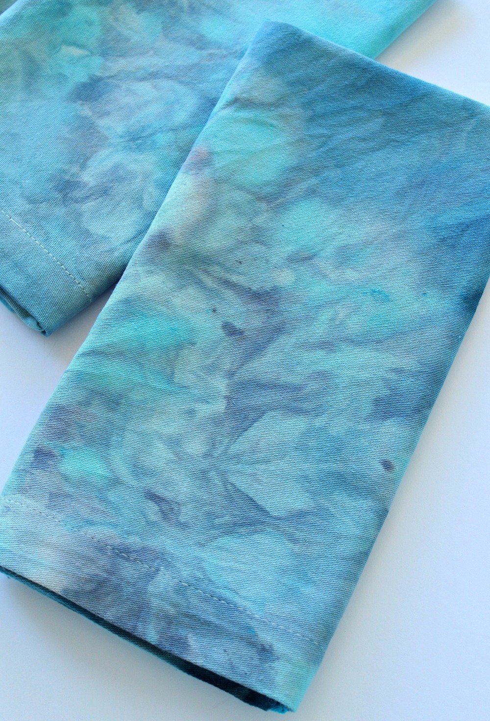 How to Ice Dye Fabric | @danslelakehouse