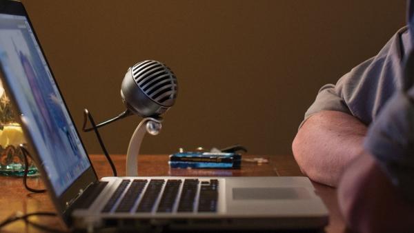 5 ميزات مدهشة للمعلق الصوتي الناجح