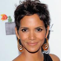 Agora que ela tem 51 anos, a atriz altamente premiada não parece ter envelhecido