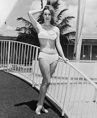 http://pics.wikifeet.com/Barbara-Rhoades-Feet-1563278.jpg