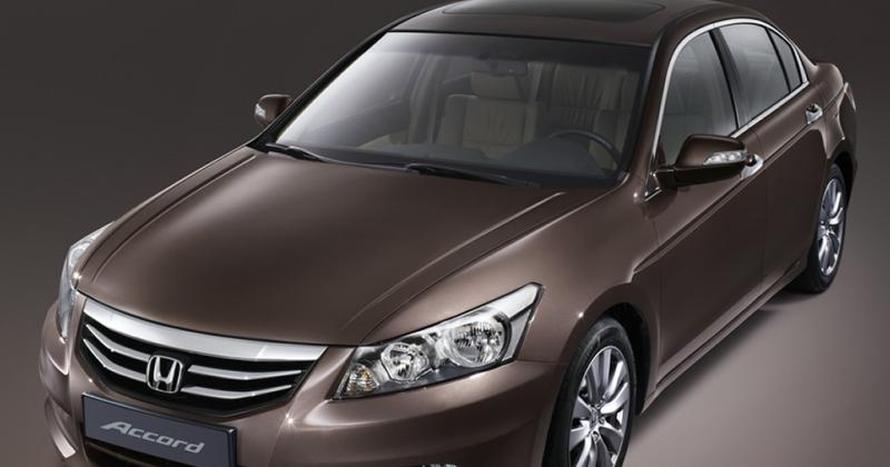 top 10 best used cars under 15 000 for teen drivers commuter online. Black Bedroom Furniture Sets. Home Design Ideas