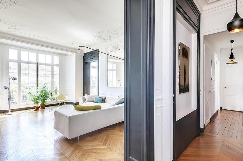 un appartement haussmannien moderne et design blog d co mydecolab. Black Bedroom Furniture Sets. Home Design Ideas
