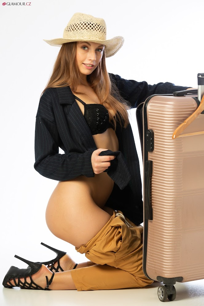 [Glamour.CZ] Eliska - Travel FeverReal Street Angels