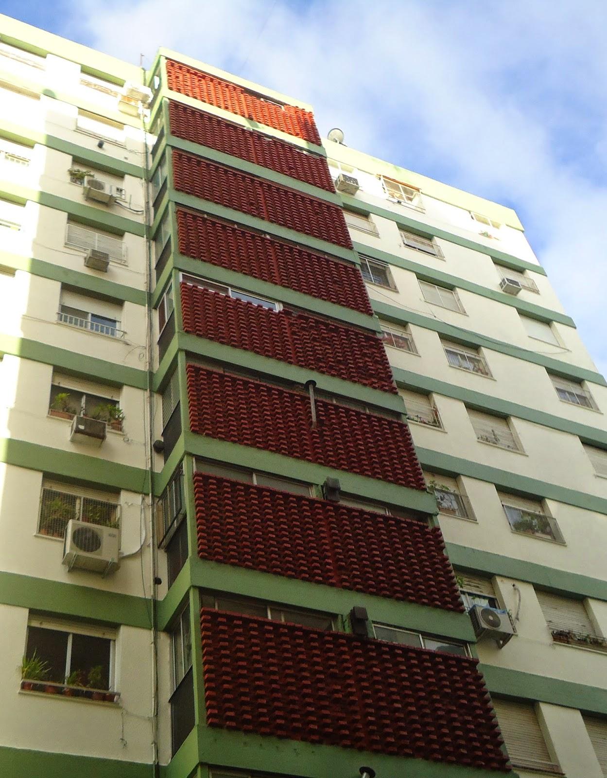 Hidrolavado de frentes en altura y pintura de edificios.