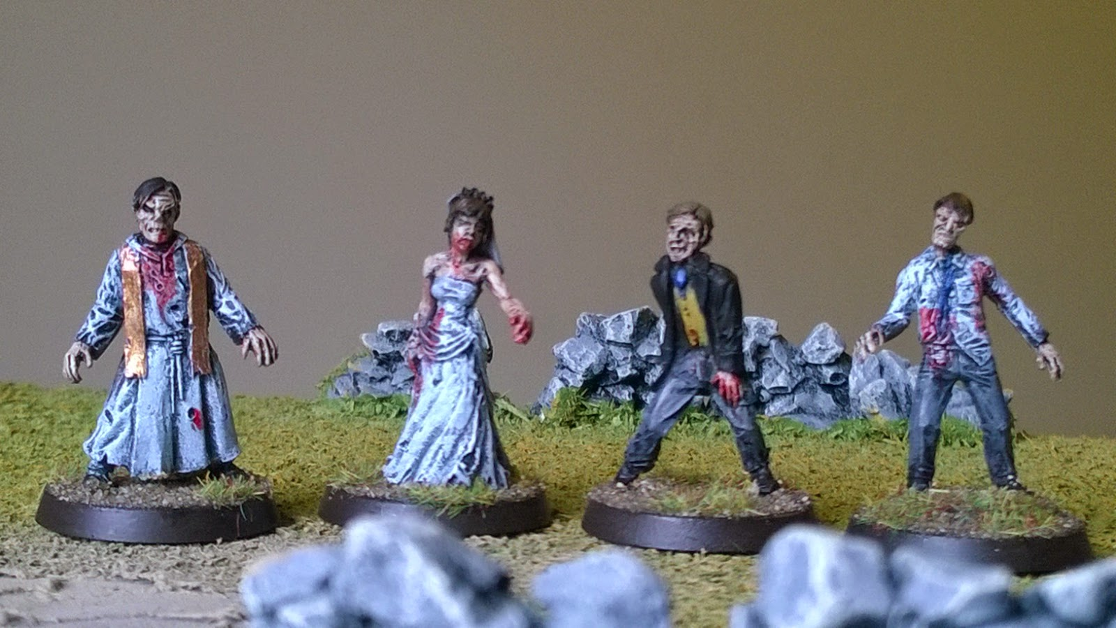 Hassle free zombie wedding party