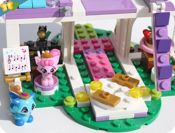 LEGO® Disney Princess - Le château royal des Palace Pets™ (41142)