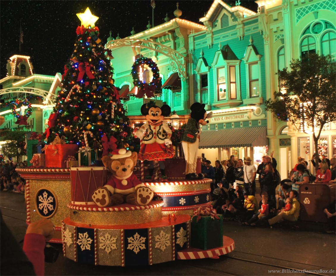 Disney World Orlando Florida - Mickey's Very Merry Christmas Party - Parade