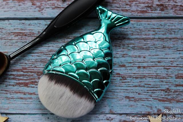 кисть рыбка для макияжа