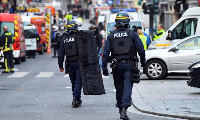 Τραγικό: Αστυνομικοί έπαιζαν... το πιο γρήγορο πιστόλι και πυροβολήθηκαν - Ένας νεκρός