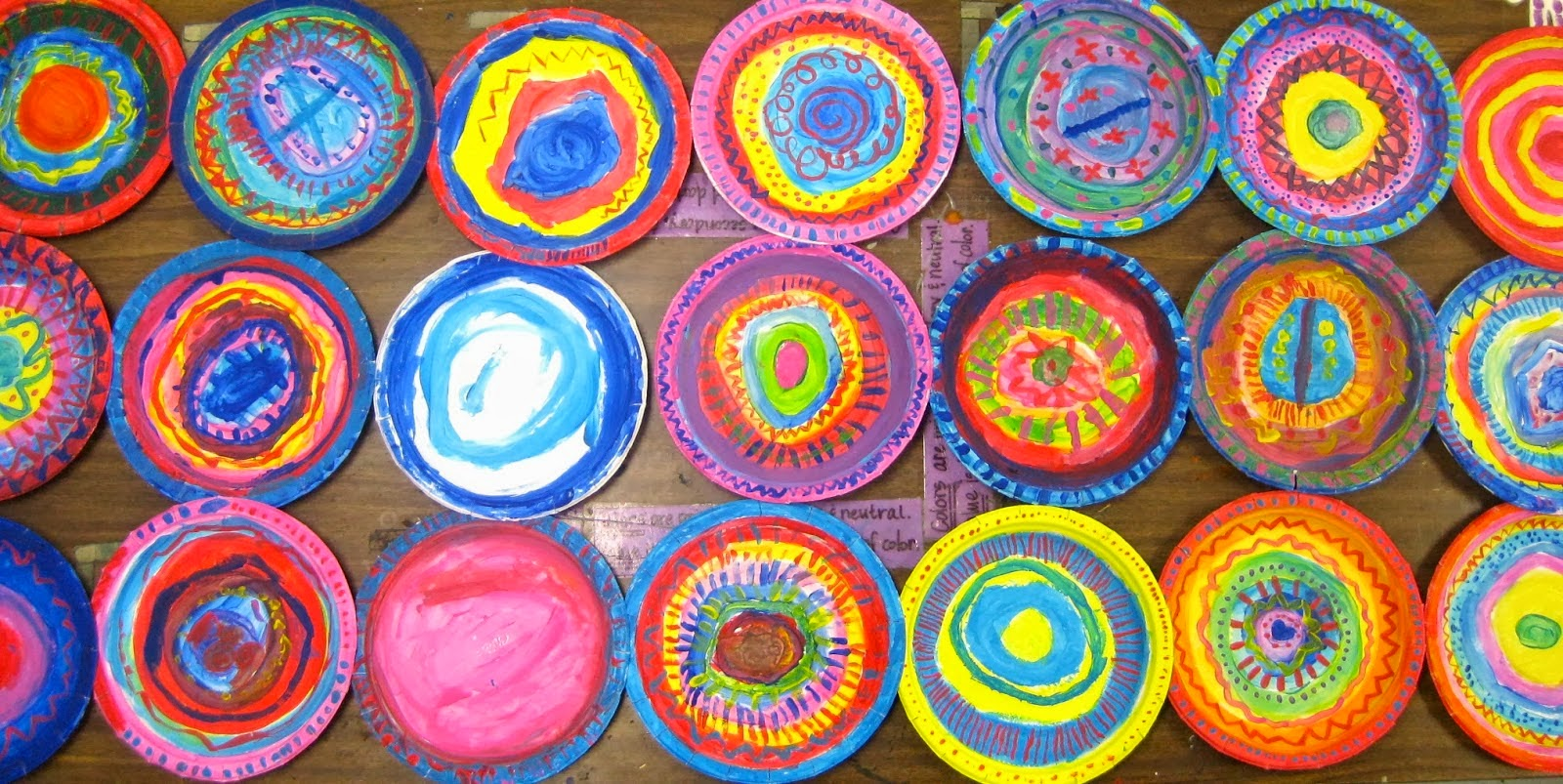 & Cassie Stephens: In the Art Room: Circle Loom Weaving with Second Grade