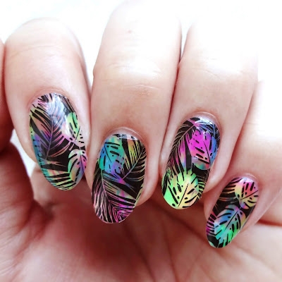 Psychedelic Surfer Nails