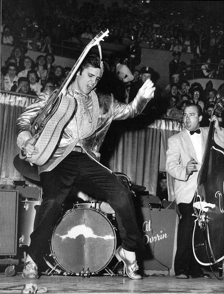 Sensual Gratification: Elvis Presley