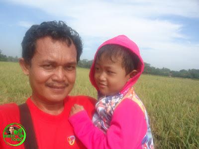 Selfie di sawah Dusun Gardu atau Bakan Bandung, Desa Bendungan, Pagaden Barat