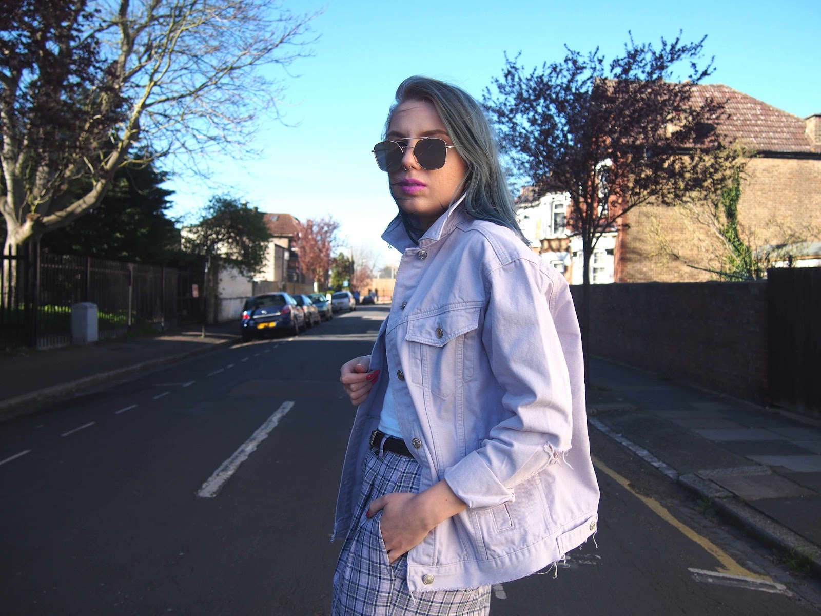 pastel outfit, pastel denim jacket, lilac denim jacket, spring outfit ideas, fashion trend 2017, 2017 ss fashion trend