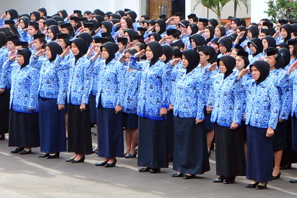 KABAR BURUK!! Tunjangan Serta Gaji PNS Dan Honorer Dipotong