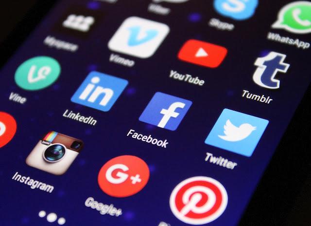 share ke sosial media