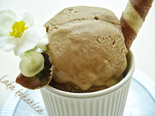 Coffee ice cream by Laka kuharica: cool and smooth dessert for coffee lovers.