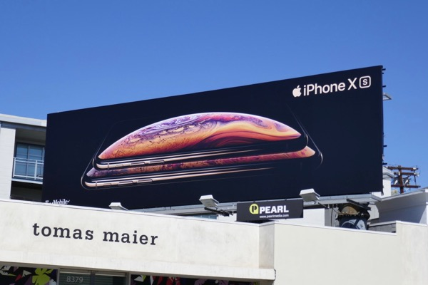 iPhone XS billboard