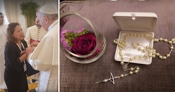 Pinay widow cries after meeting Pope Francis, receives a rosary as gift