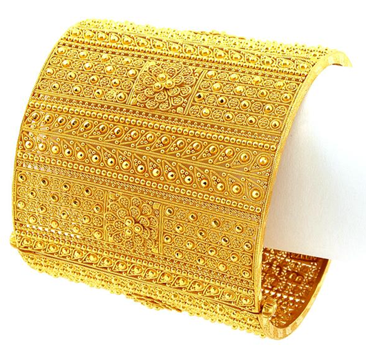 Traditional Trendy Gold Chur Design