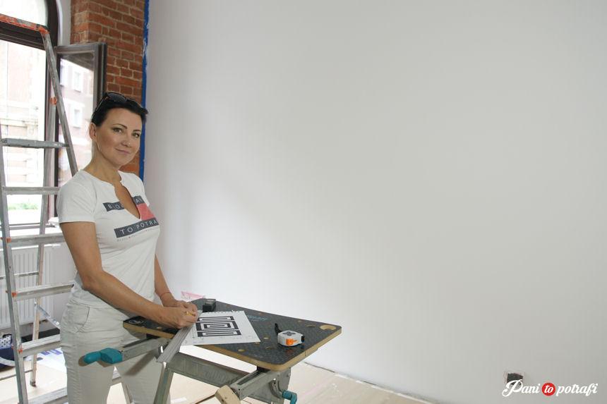 Jak Ozdobić ścianę W Salonie Za Pomocą Taśmy Malarskiej
