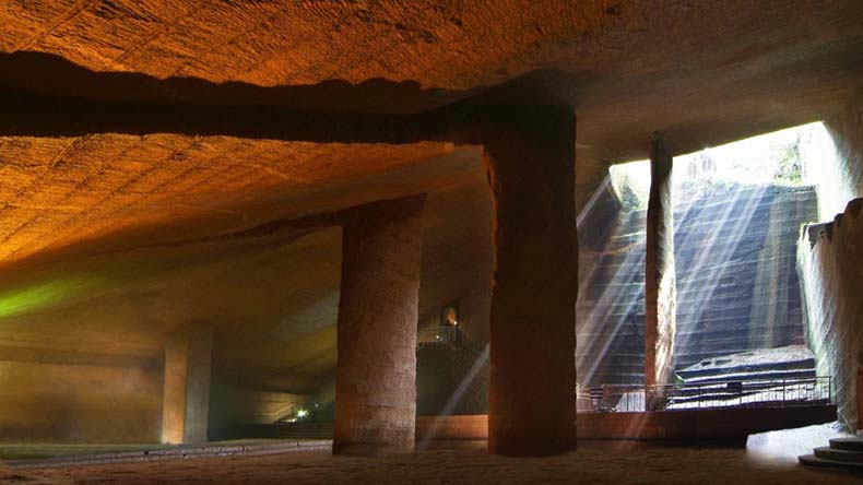 Las Cuevas de Longyou | China