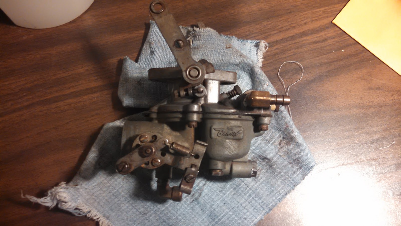 hight resolution of atomic 4 carburetor rebuild
