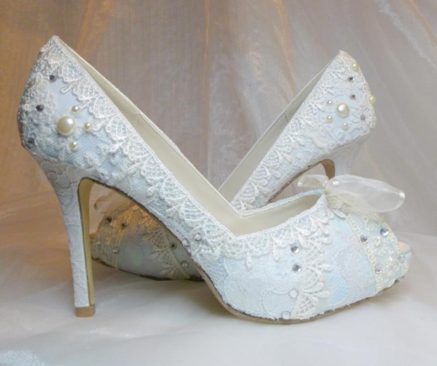 Elegant Bridal Style: Baby Blue Wedding Shoes