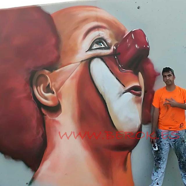 Pintura mural de Charlie Rivel en Cubelles