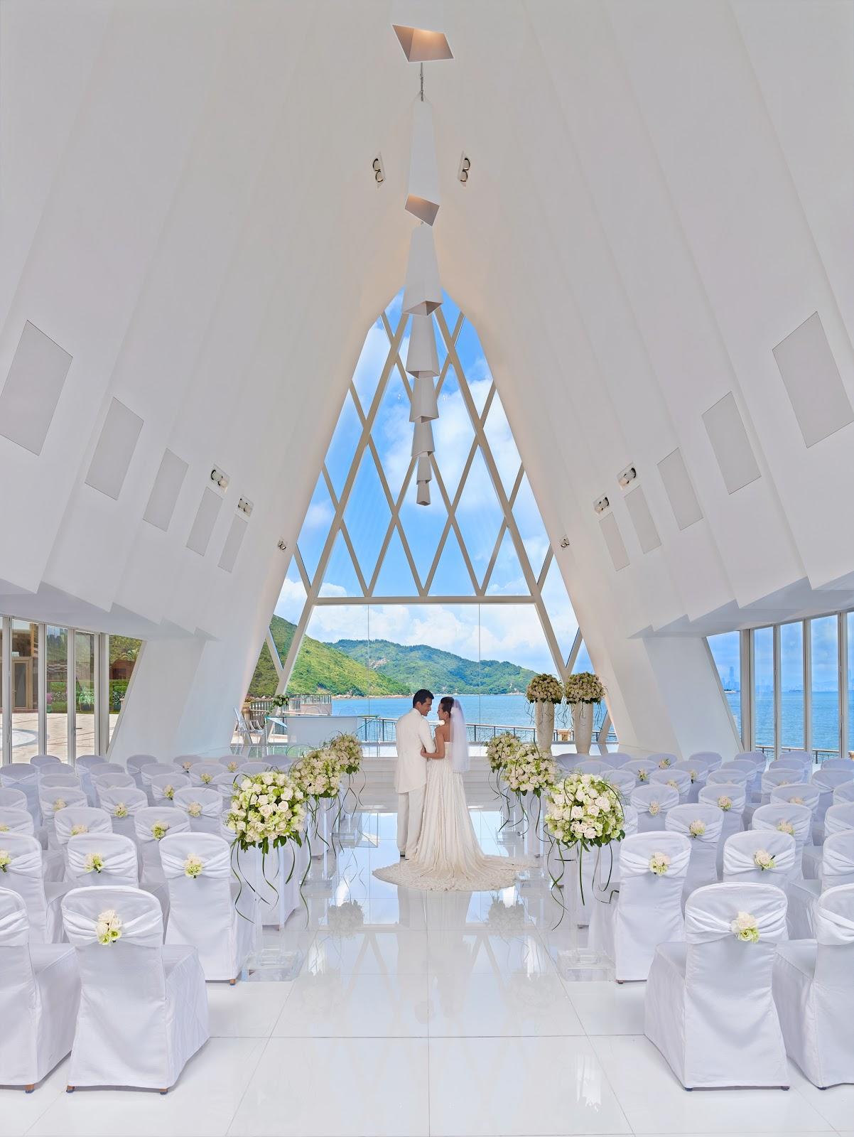 國皇的婚禮: 香港愉景灣酒店 (海濱白教堂結婚場地資料/Kids club)