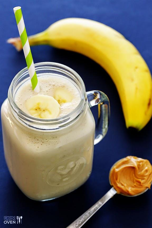 smoothie z masłem orzechowym i bananem przepis