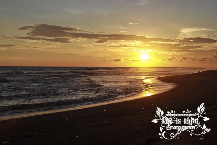 sunset pantai baru