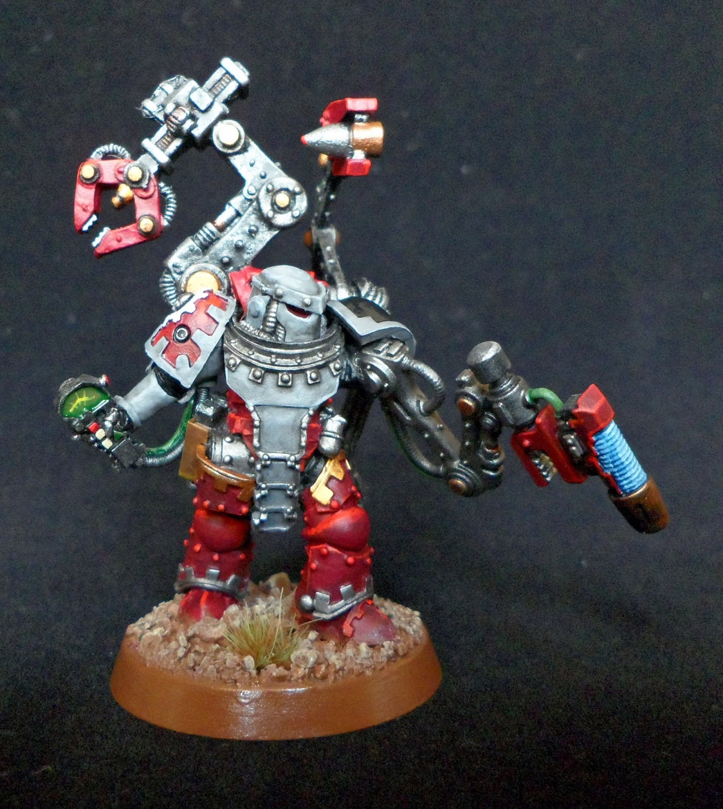 The Gunner Is A Mix Of Parts FW Iron Hands Medusan Immortal Body Techmarine Auspex Arm Onager Dunecrawler Bionic And Pauldron From SM