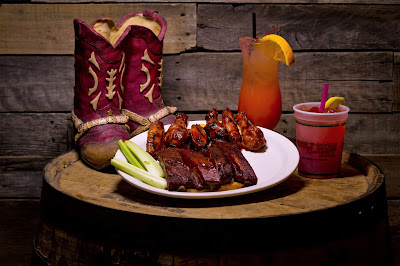 Wobbly Boots Roadhouse, Lake of the Ozarks, BBQ, ribs, wings, server, friendliest restaurant