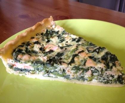 Salmon spinach bush pie